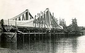 Montrose Bridge, site of